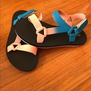 Shoes - Qupid Sandals